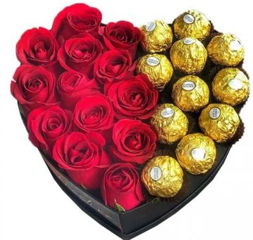Box Cora��o de Rosas com Ferrero Rocher - BX13